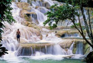 Dunn´s River Falls in ocho ríos. Things to do in Jamaica